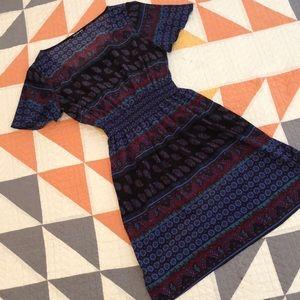 Gianni Bini short sleeve paisley dress